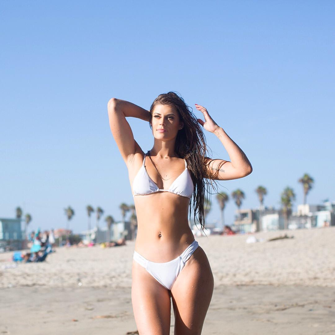 hannah stocking photo en bikini