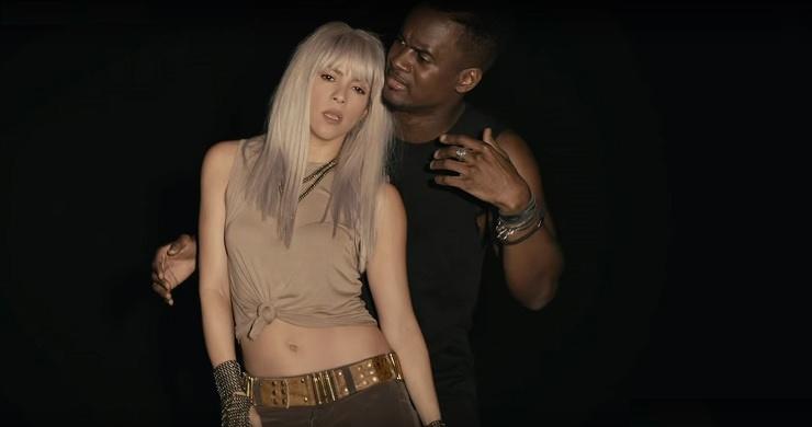 sexy shakira et black M - Comme moi (Clip officiel)